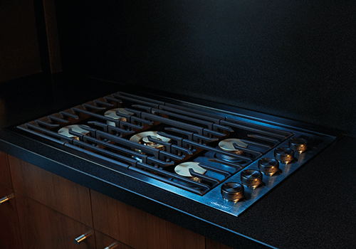 A Dacor contemporary style 30 inch gas cooktop.